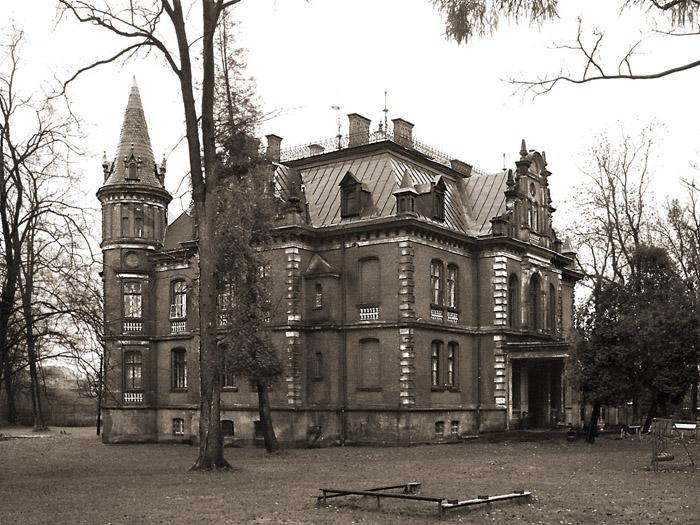 Eklektyczny pałacyk byłego właściciela zakładu, obecnie siedziba przedszkola